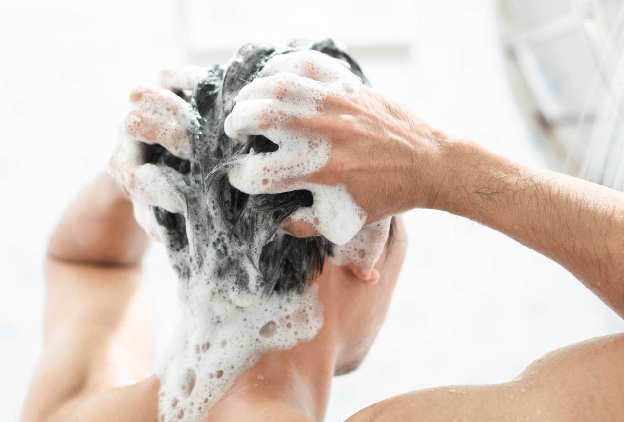 discover our tips on how to wash hair properly
