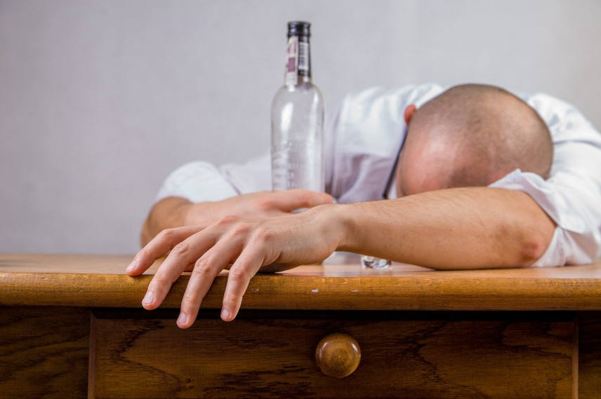 are alcohol and hair loss related ?